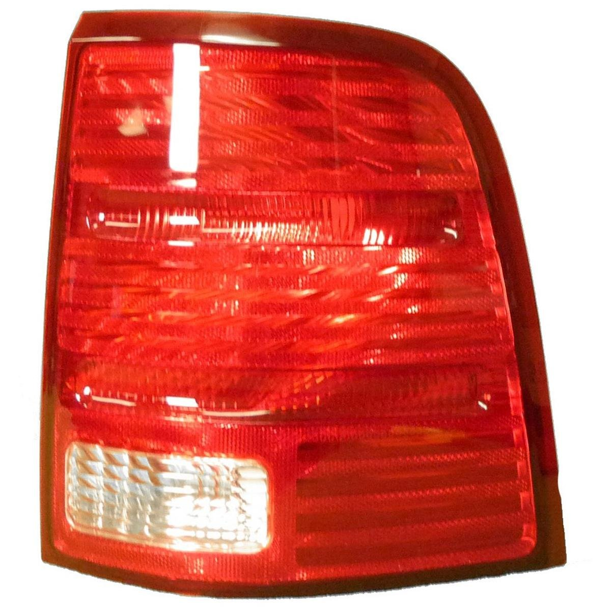 Unknown OE Replacement Buick Enclave Passenger Side Driving Light Partslink Number GM2563101