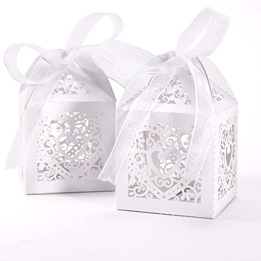 50pcs Laser Cut Wedding Hollow Love Heart Wedding Favor Candy Gifts