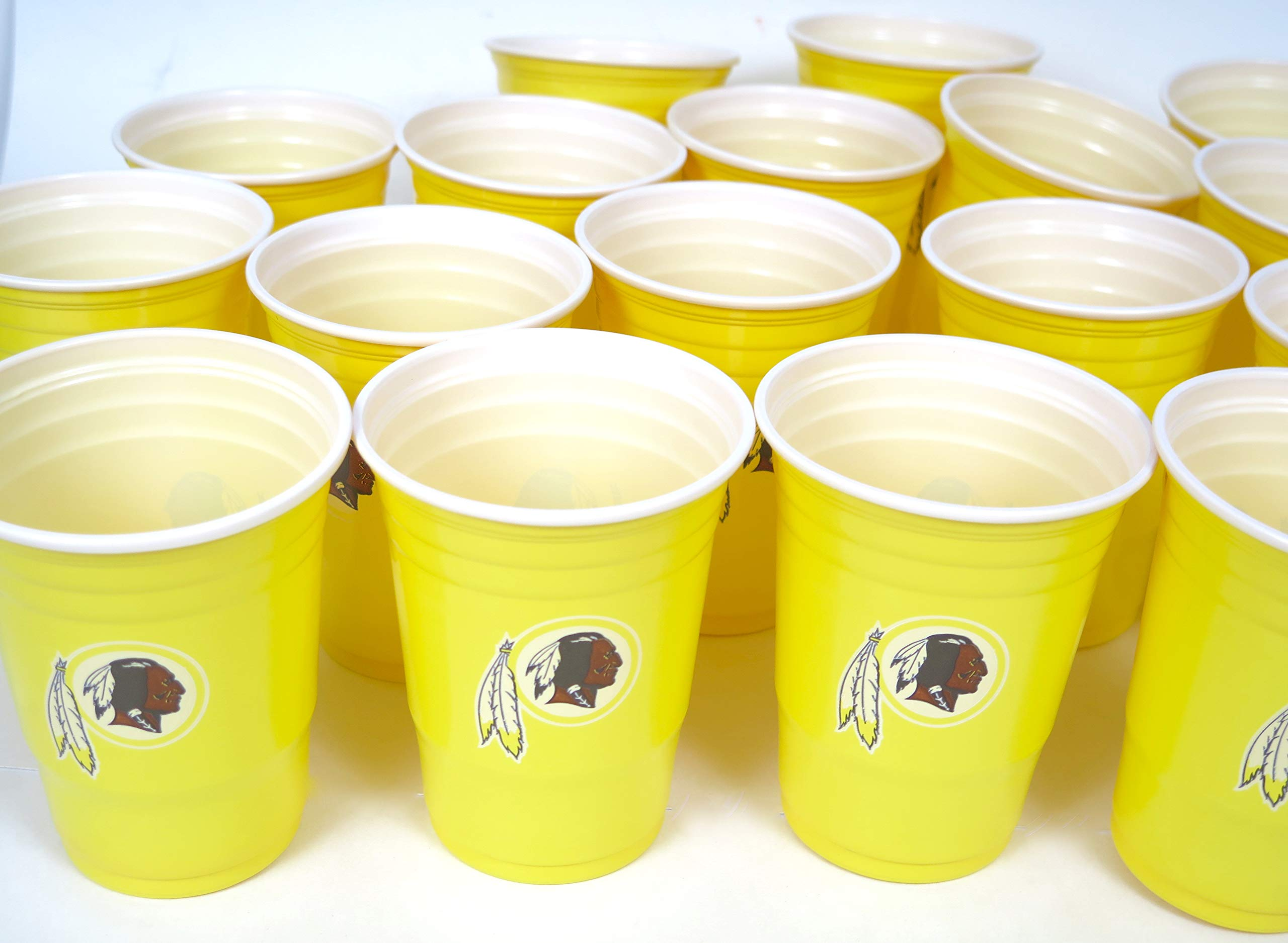 Washington Redskins Jumbo party cups set of 36. Large plastic colorful 18 oz, game day plastic cups.