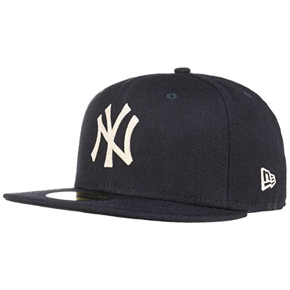6987f4c7a89 NEW ERA 59FIFTY FITTED CAP. NAVY CHAIN STITCH. NEW YORK YANKEES CAP   Amazon.co.uk  Clothing