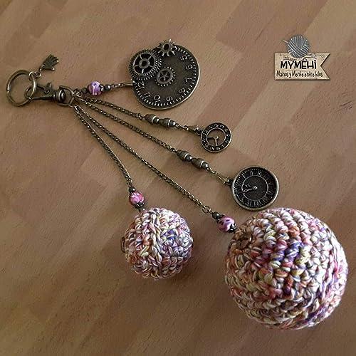"""Llavero o colgante para bolso o mochila""""Las esferas del Tiempo"""": crochet,"""