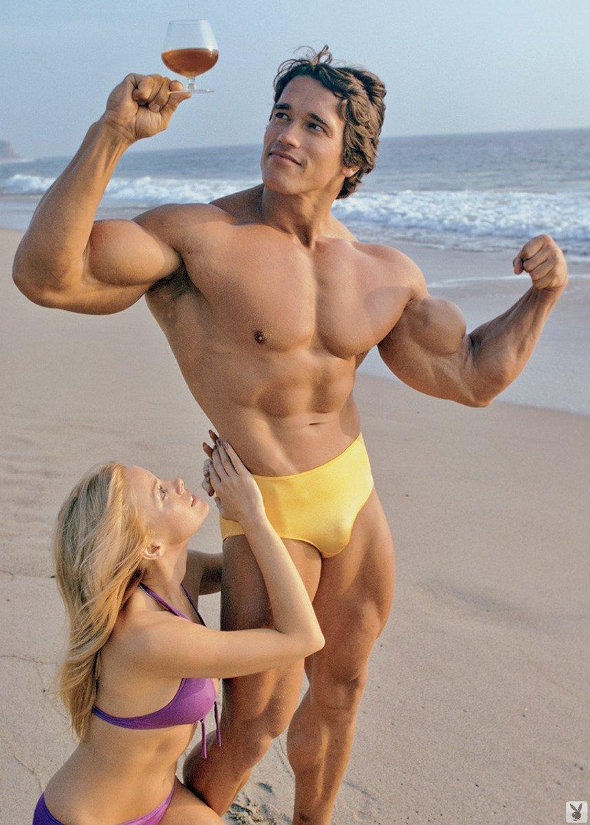 Arnold Schwarzenegger poster 32 inch x 24 inch / 17 inch x 13 inch