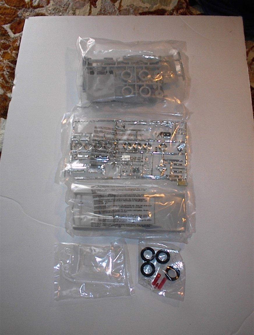 lo último Reducción de precio 38491 AMT/Ertl Muscle 1967 1967 1967 Pontiac GTO 1/25 Scale Plastic Model Kit,Needs Assembly by AMT Ertl  Compra calidad 100% autentica