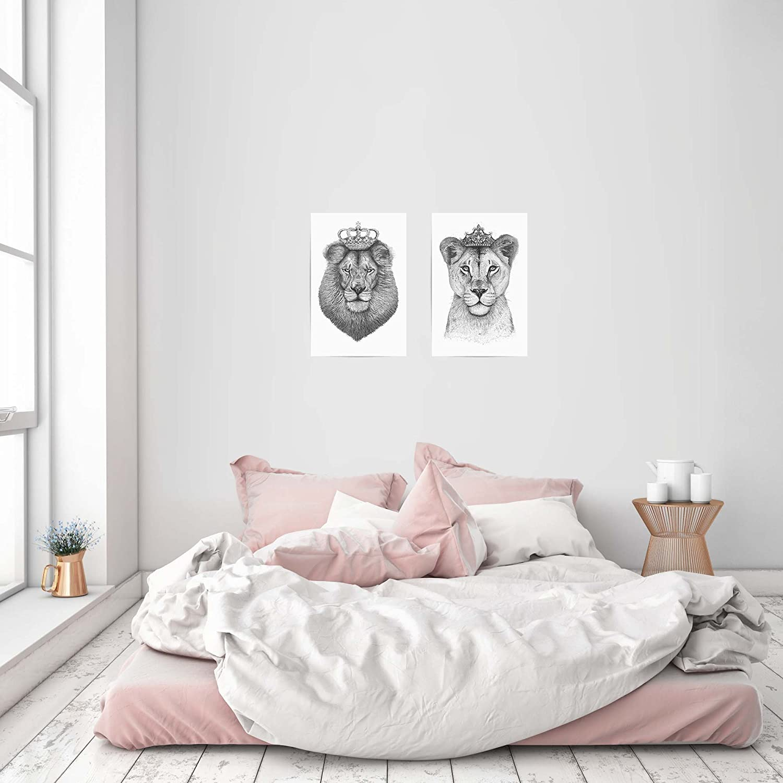 ArtboxONE Set aus 2 Postern mit Kunststoffrahmen - Motive Motive Motive The Lioness Queen The King und 2 Kunststoffrahmen der Größe 60x40 fa6321