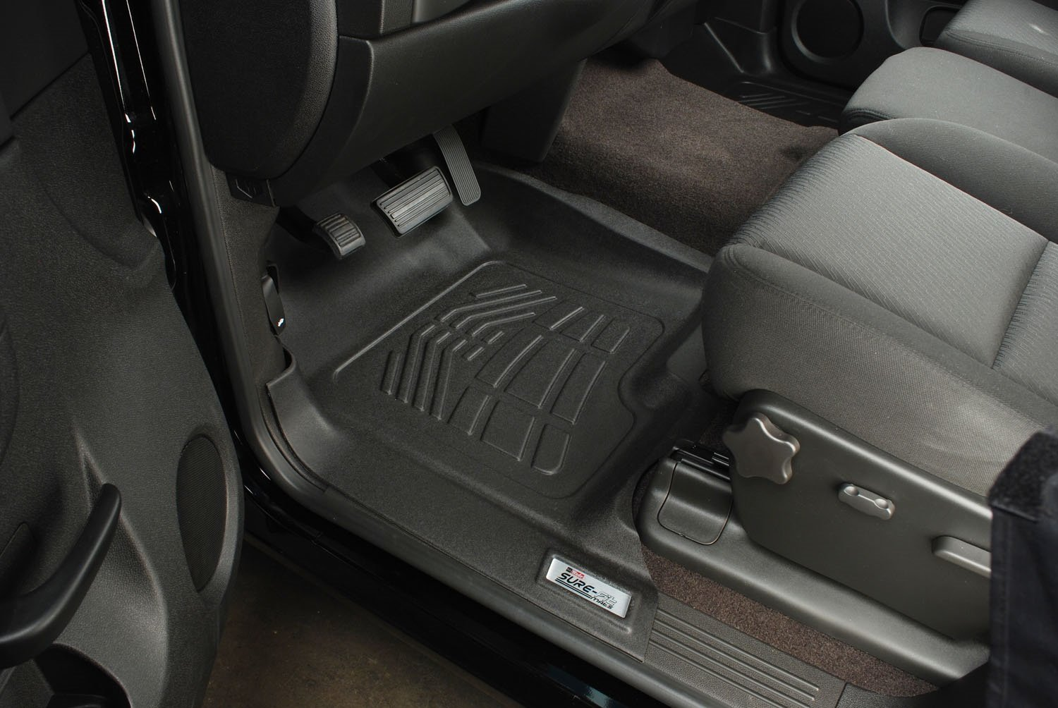 Amazon com wade 72 110001 black sure fit front right and left molded floor mat set 1 pair automotive