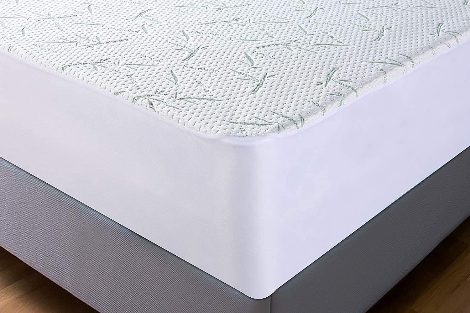 Mattress Protector Waterproof Bamboo Soft Hypoallergenic Fitted Pad Cover 5 size