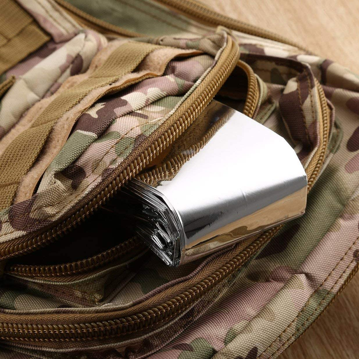 Sairis Waterproof Disposable Outdoor Military Survival Emergency Rescue Space Foil Thermal Blanket First Aid Sliver Curtain