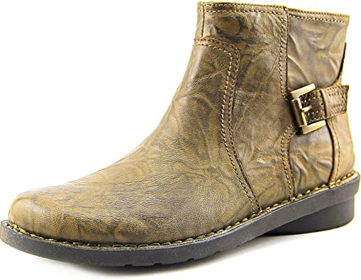 CLARKS Womens Nikki Star Boots   Ankle