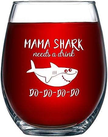 Verre à Vin Fantaisie Avec Inscription Mama Shark Needs A Drink Do Do Do Do