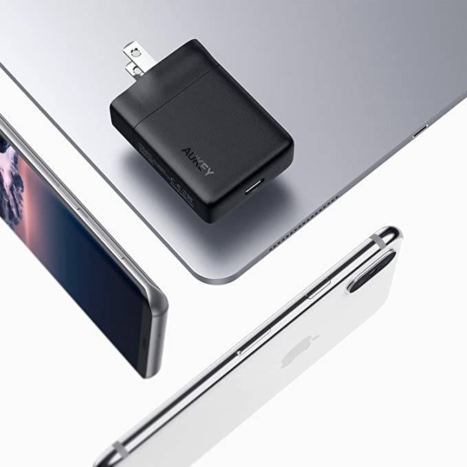 Amazon.com: AUKEY USB-C Charger with 27W Power Delivery 3.0 ...
