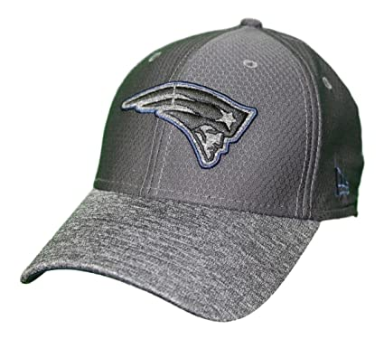 on sale 9c199 00f1f Image Unavailable. Image not available for. Color  New Era New England  Patriots NFL 39THIRTY Popped Shadow Flex Fit Hat ...