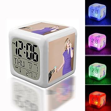 Despertador digital termómetro noche Glowing Cube 7 colores Reloj LED personalizar el patrón 124. Perro, hielo, mujer, morado, vestido, comer: Amazon.es: ...