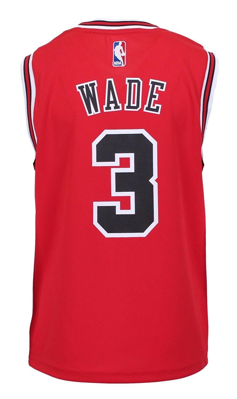 b189ab0a956 Amazon.com NBA Chicago Bulls Dwyane Wade Boys Youth 8-20 Replica Road Jersey  ...