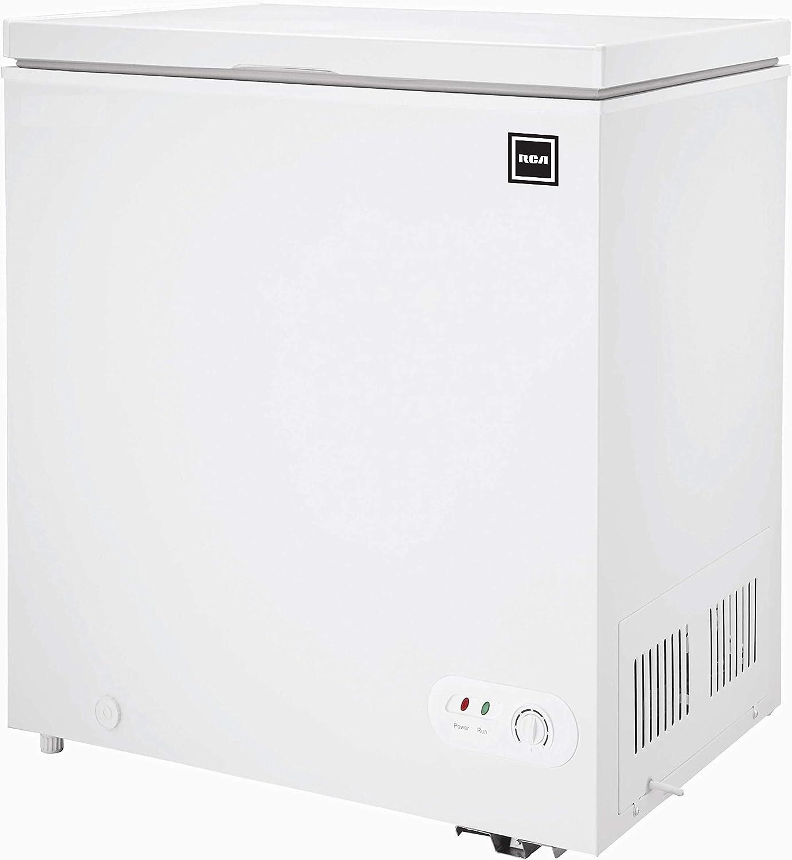 White 5.1 Cubic Feet Igloo FRF452C Chest Freezer