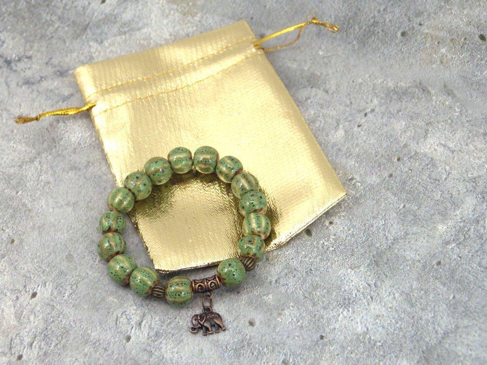 Bracciale per donna Kathmandu verde porcellana con ciondoli a forma di elefante