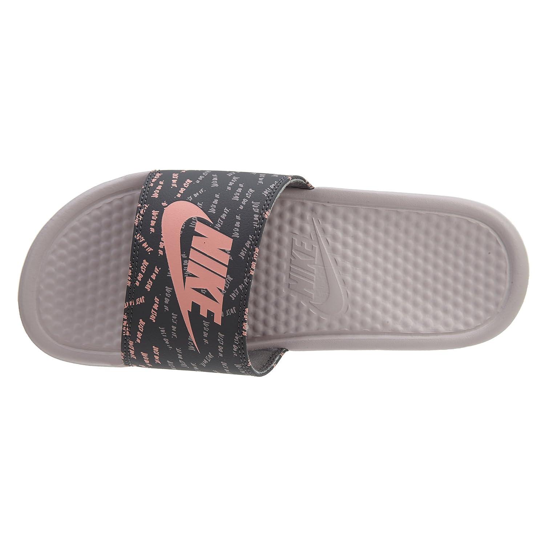 new concept 6d878 46160 Nike WMNS Benassi Just DO It Print Rose  Amazon.fr  Sports et Loisirs