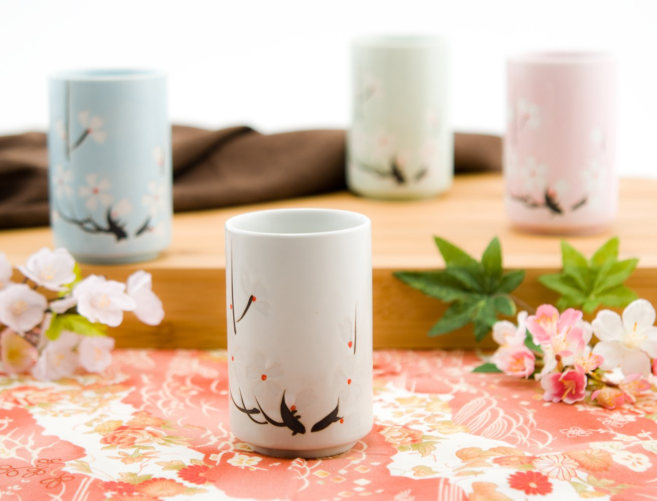 Japanese Tea Cups Quality Ceramic Set of 4 Cherry Blossom Sakura Design Assorted Colors Four Season Decorative Sushi Teacups Gift Pack