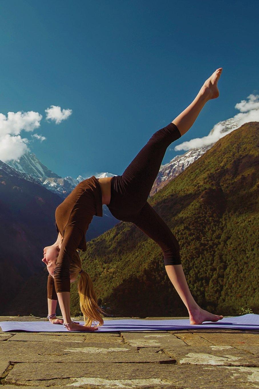 Download Yoga Journal: Blank Notebook Diary Memoir Log Logue (Yoga 365 Lined) (Volume 56) ebook