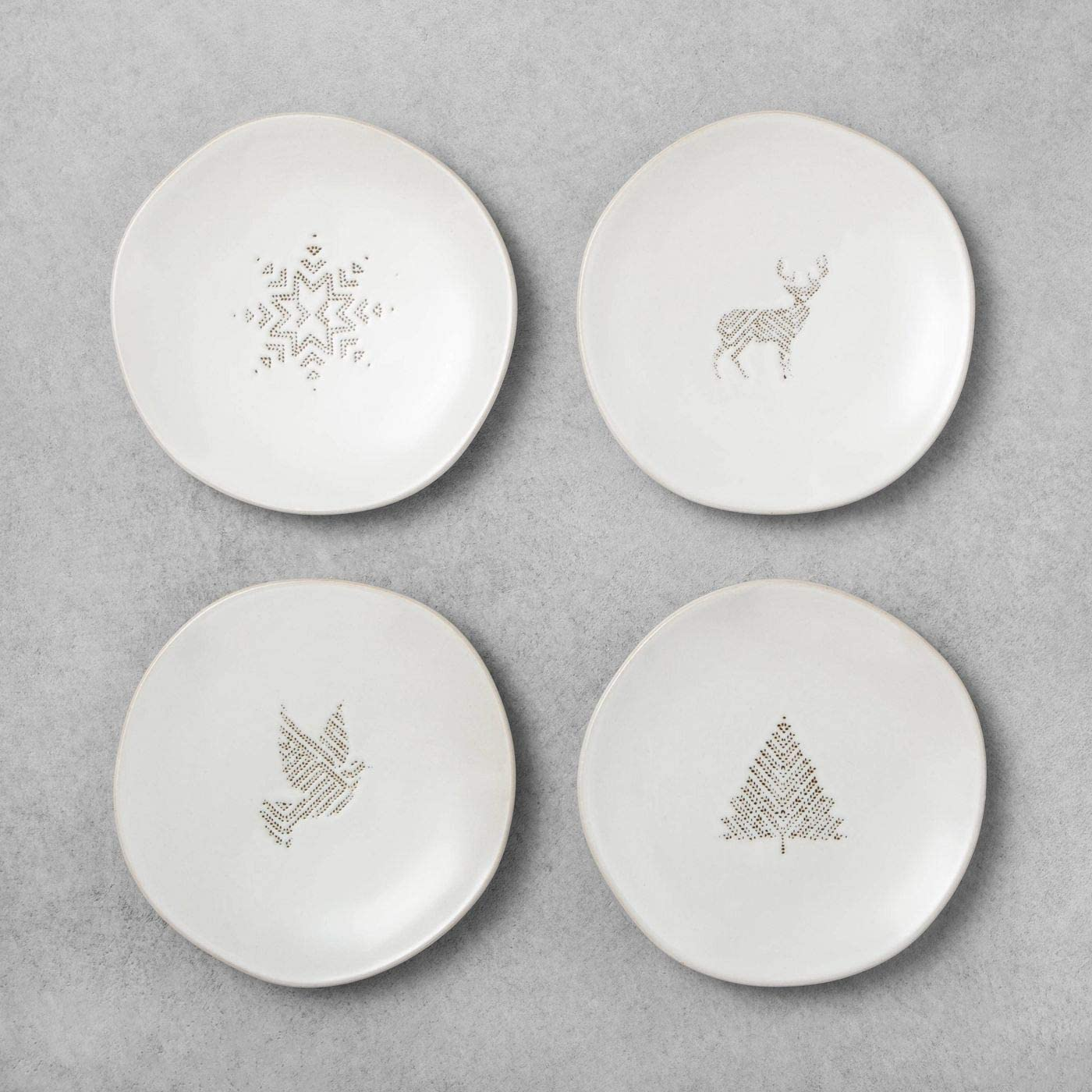 Amazon Com 4ct Seasonal Appetizer Plates Holiday Motifs Sour Cream Hearth Hand With Magnolia Kitchen Dining
