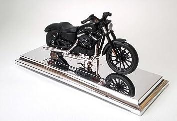 Harley-Davidson 2014 Sportster Iron 883 schwarz Maßstab 1:12 von maisto