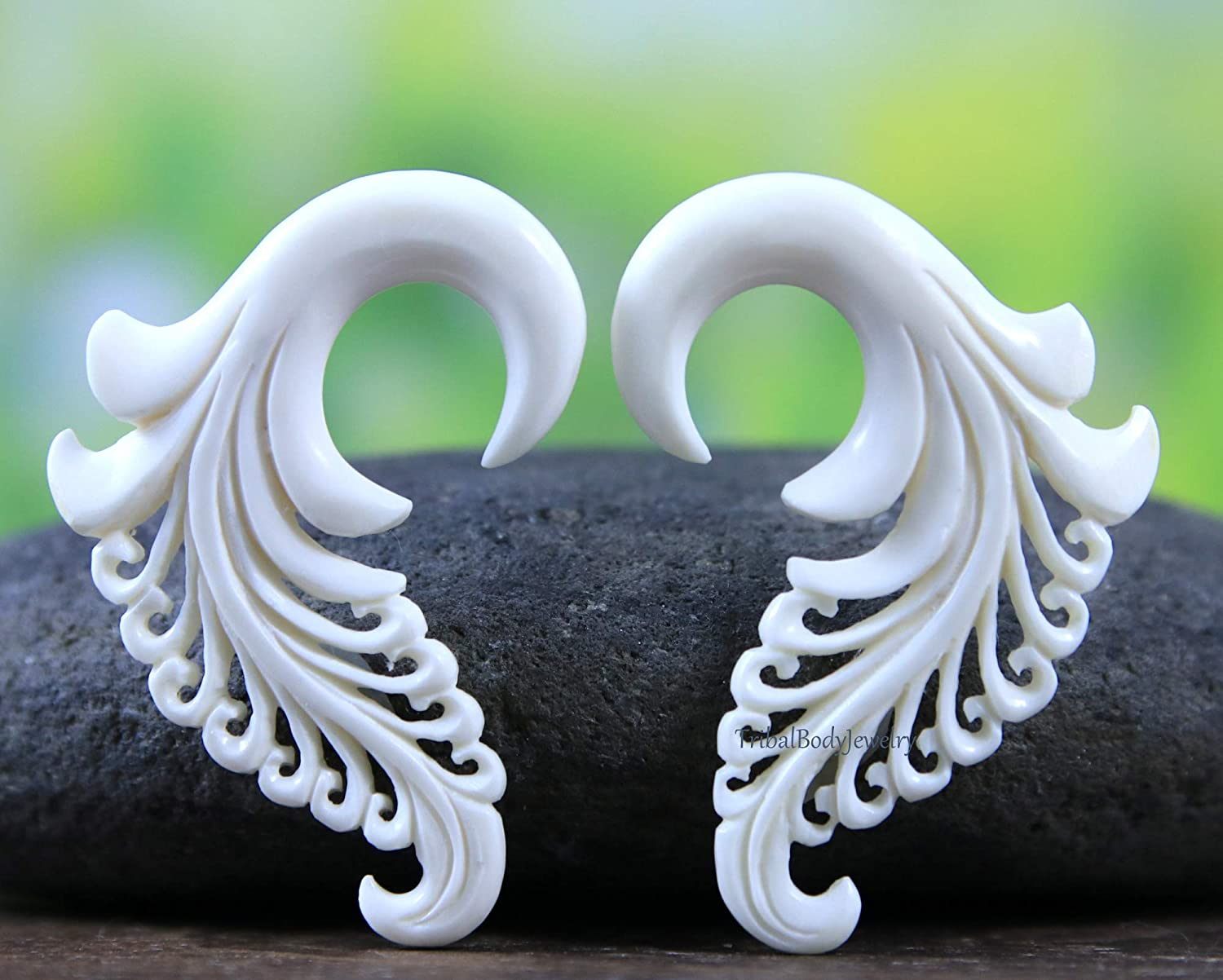 Amazon Com 2g Ear Stretcher Gauge Earrings Hand Carved Bone Handmade