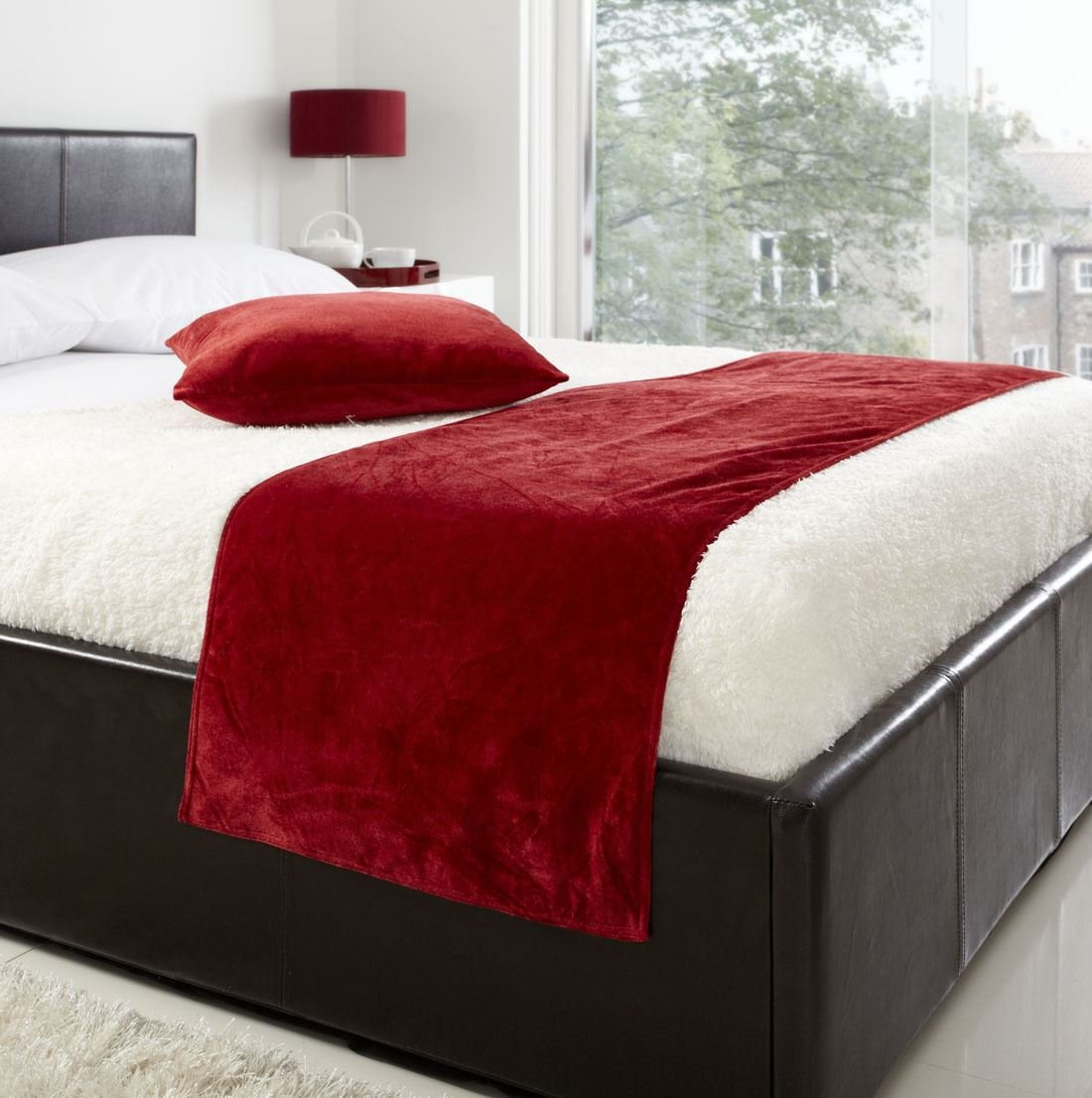 VENICE RED 19X78 DEEP PILE VELVET BED RUNNER #TEVLEV *AS* 19X78 DEEP PILE VELVET BED RUNNER & 18'' CUSHION COVER #TEVLEV *AS*
