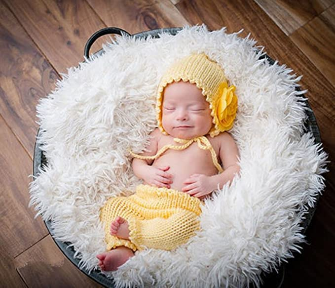 0d5795122 Amazon.com: Pinbo Baby Twins Boys Girls Photography Prop Crochet Knitted  Hat Pants: Clothing
