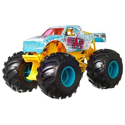 Hot Wheels Monster Trucks 1:24 Scale Assortment, Megajolt: Toys & Games