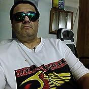 3d4e8df3cc7 Amazon.com  Revo Sunglasses Baseliner Polarized Wrap