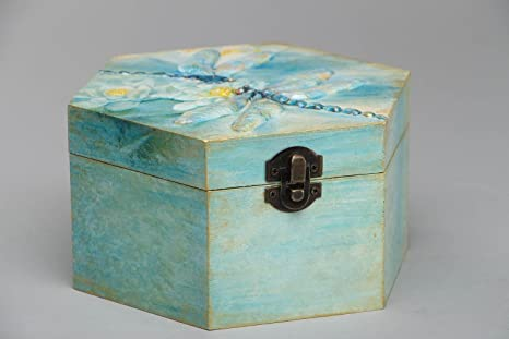 Caja de madera en la tecnica de decoupage
