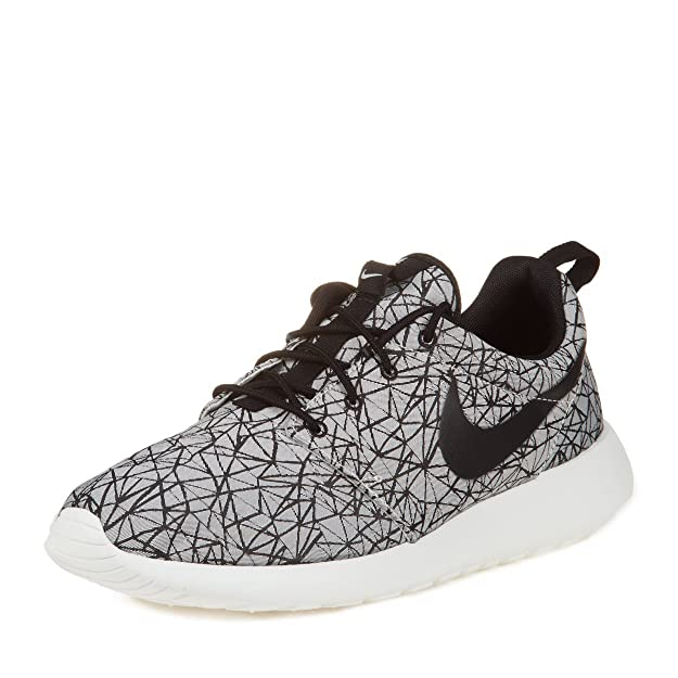 4bb8b2e0c0b0 Nike Mens Roshe Run GPX PRM Geometric Pack 631751-100 Mens Running Shoes   Amazon.ca  Shoes   Handbags