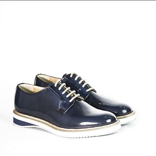 Scarpe stringate uomo in pelle abrasivata modello Derby di colore blu con  gomma bicolore scarpe artigianali f3d95d49400