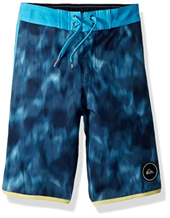 15aea44eebc0e Amazon.com: Quiksilver Little Boys' Highline Recon Youth Boardshort Swim  Trunk: Clothing