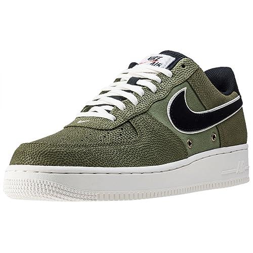 ba5e8048a4279 Nike - Air Force 1 07 LV8 - 718152308 - Color  Negro-Verde - Size  44.0   Amazon.es  Zapatos y complementos