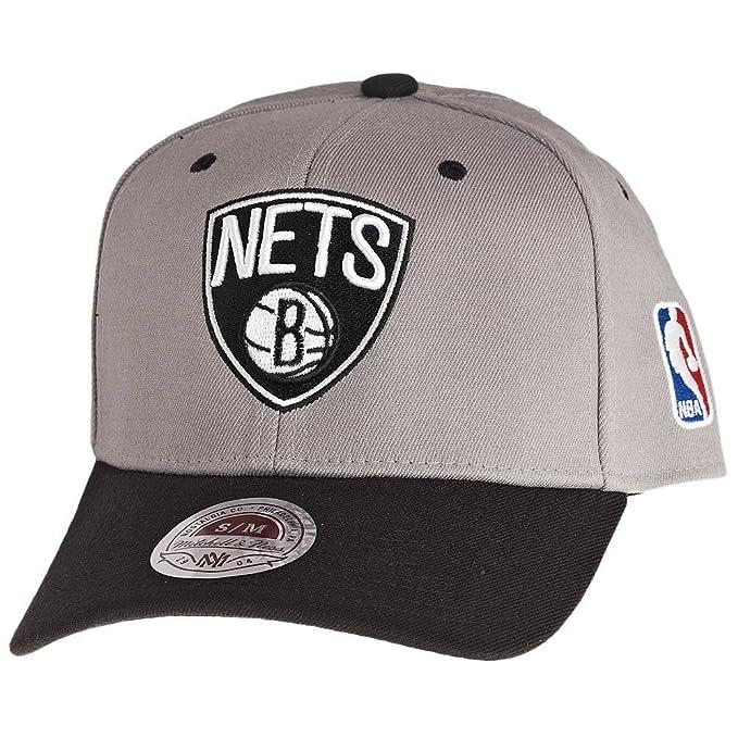 Mitchell   Ness Brooklyn Nets NBA Gorra Elástica Bicolor Gris - Gris ... 30ae84d0061
