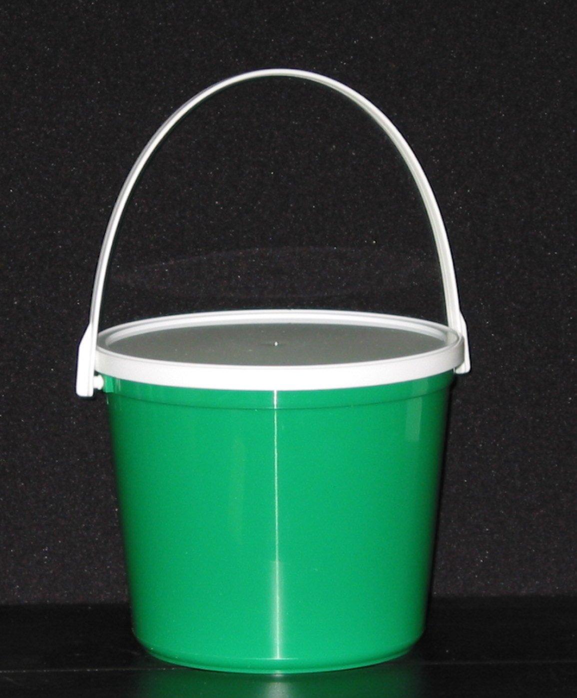 Plastic Buckets & Lids, 80 Ounces, 6 Pack,1 each Red Blue Yellow Orange Purple & Green by Talisman (Image #4)