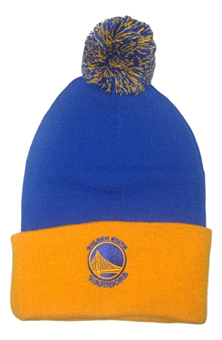 e6ed6fb91971c Amazon.com   Fan Apparel Golden State Blue with Yellow Cuff Ball Top Beanie  Hat Toque   Sports   Outdoors