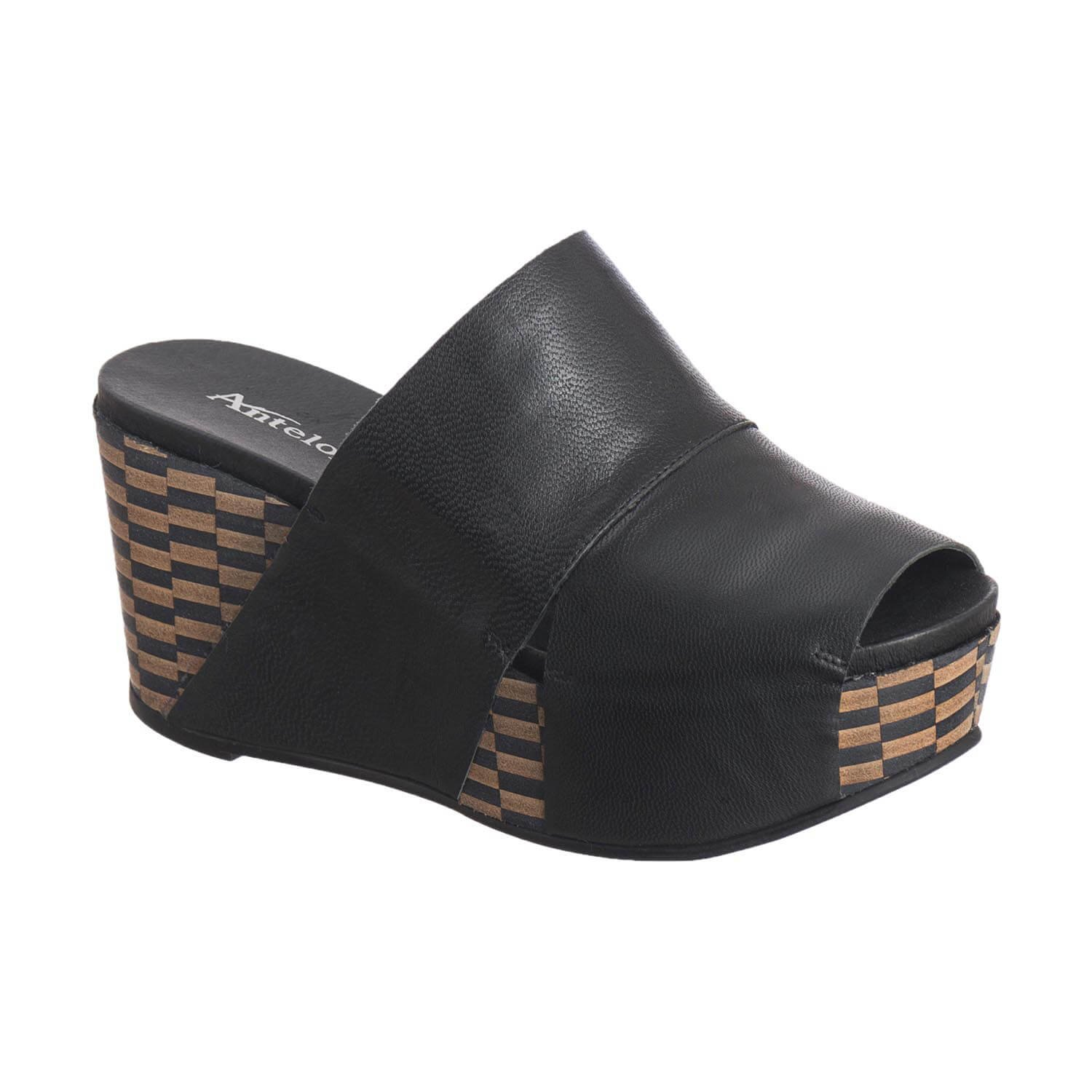 Antelope Women's 869 Black Leather Wide Banded Mule