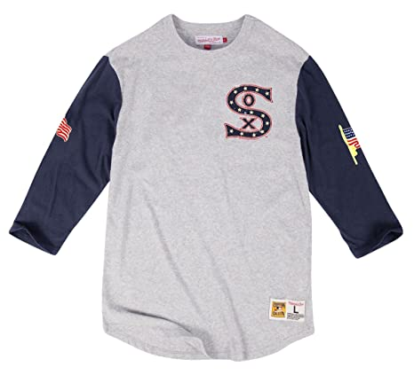 check out efcd6 7d76b Amazon.com : Mitchell & Ness Chicago White Sox MLB Scoring ...
