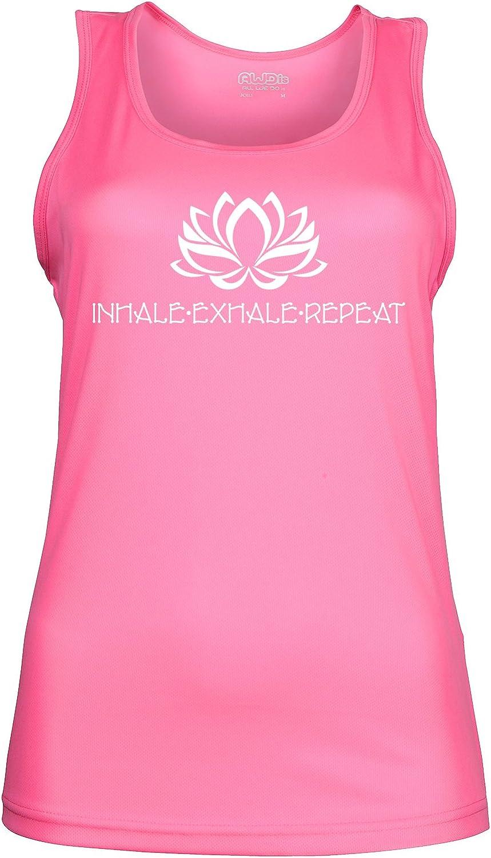 Camiseta sin mangas de yoga para mujer con una flor de loto y el texto en ingl/és Inhale Exhale Repeat 2 colores disponibles 4 tallas disponibles.