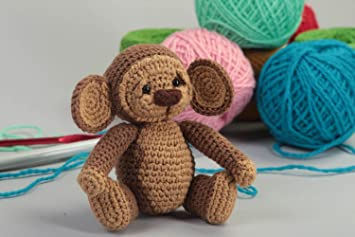 Juguete artesanal tejido peluche para ninos regalo original con forma de monita