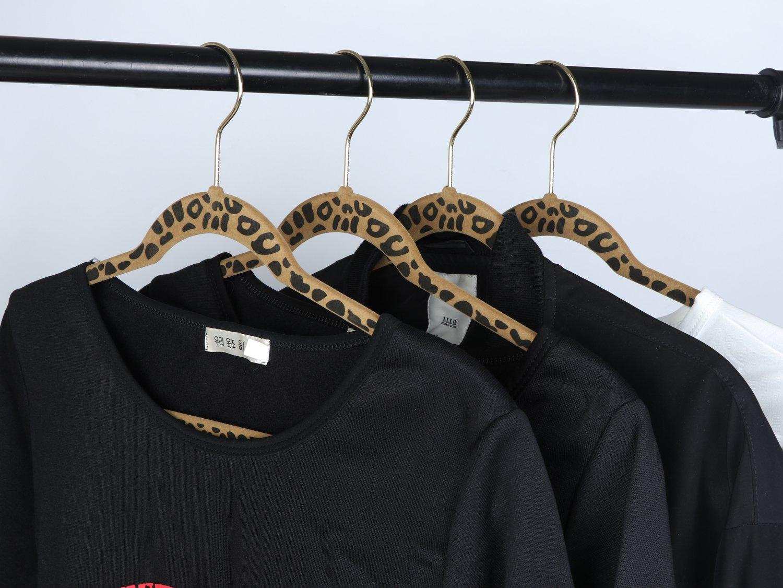 30-Pack,Grey AzxecVcer Non Slip Velvet Suit Hangers,Clothes Hangers 360 Degree Chrome Swivel Gold Hook