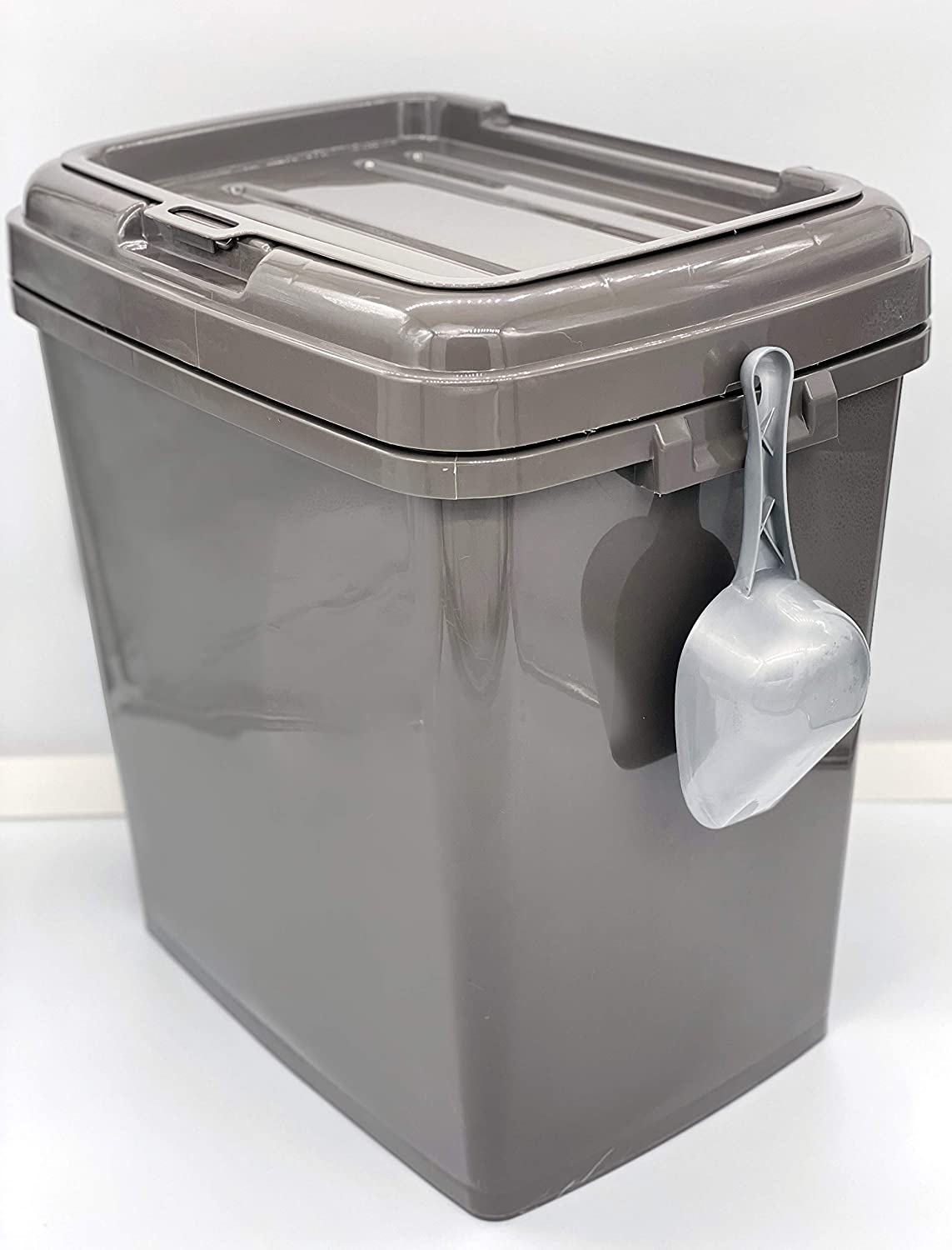 Large Airtight Plastic Storage Container With Lid And Wheels Perfect for Kitchen and Household Organization