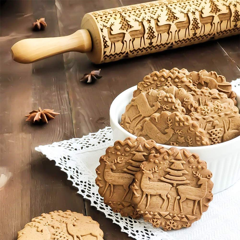 Christmas Wooden Rolling Pins with 3D Engraved Christmas Themed Symbols Embossed for Kids and Adults to Make Cookie Dough Kitchen Baking Tool Attractive Professional Carved Decoration