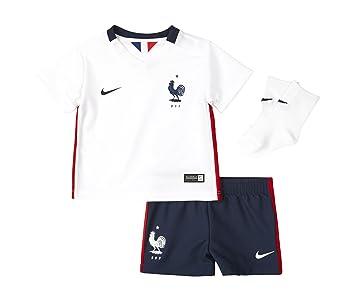FRANCE BABY FOOTBALL KIT 6-9 MONTHS 2015 16 AWAY SHIRT SHORTS   SOCKS   Amazon.co.uk  Sports   Outdoors c14be1558