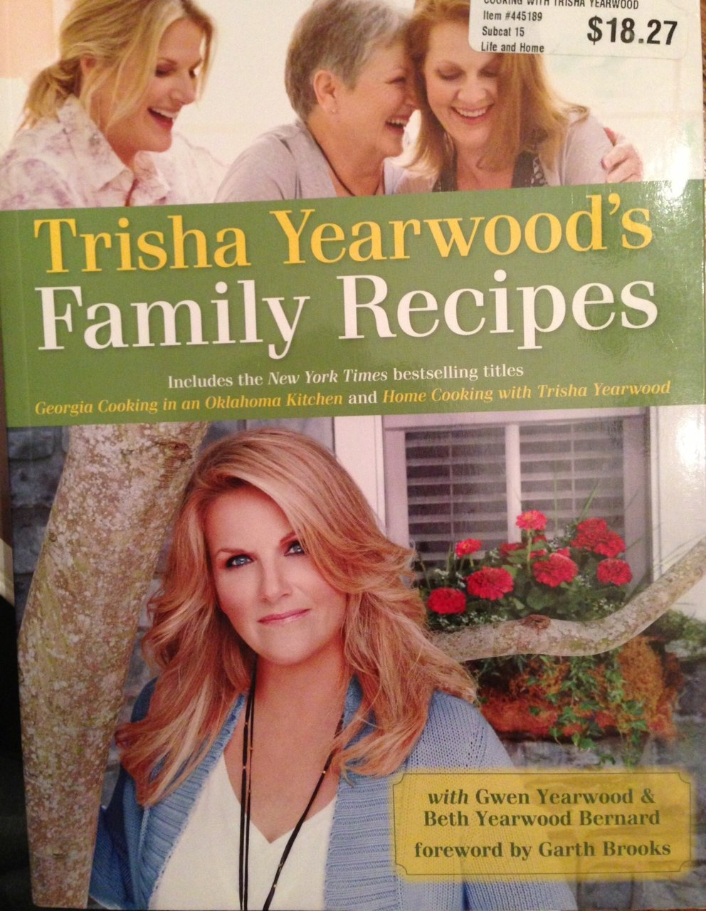The New York Times Bestselling Titles Georgia Cooking In An Oklahoma  Kitchen And Home Cooking With Trisha Yearwood: 9780307292193: Amazon:  Books