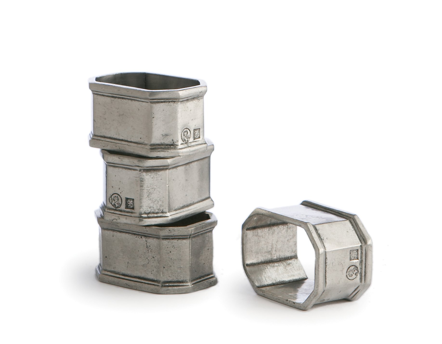 Peltro Napkin Ring Set Of 4 in Pewter