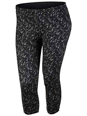 7914c05c62 Amazon.com  Nike Women s Dri-Fit Essential Running Crop Print (Size 1x-3x)   Clothing