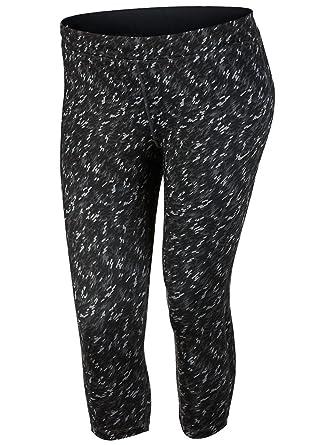 7914c05c62 Amazon.com  Nike Women s Dri-Fit Essential Running Crop Print (Size 1x-3x)   Clothing