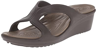 1f96f75e74be crocs Women s Sanrah Wedge Sandal